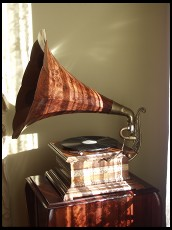 Digital photo titled gramophone-tight