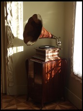 Digital photo titled gramophone