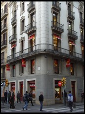 Digital photo titled la-rambla-mcdonalds