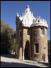 Digital photo titled parc-guell-building