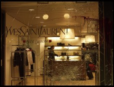 Digital photo titled smashed-window-at-fur-shop-on-bahnhofstrasse-zurich