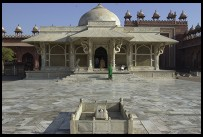 Digital photo titled jami-masjid-tomb-straight