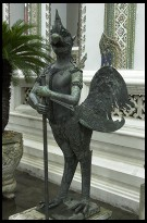 Digital photo titled royal-palace-chicken-statue