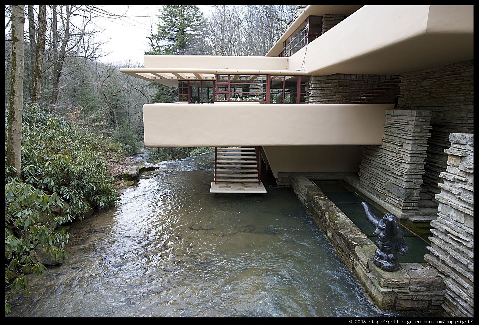 Photograph by philip greenspun fallingwater 03 for Frank lloyd wright river house