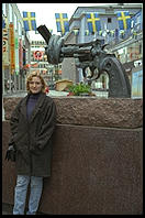 An anti-violence gun statue in central Stockhom (with Eve Andersson in front)