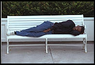 Sleeping on a bench in Atlantic City (New Jersey)