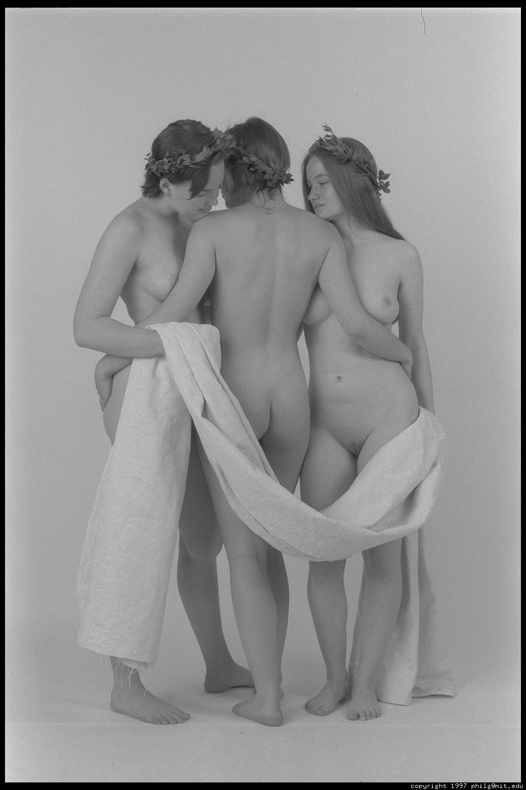 Лечебная эротика три грации